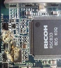 קורוזיה בלוח אלקטרוני של מחשבים ניידים